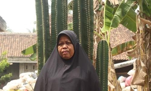 Bà Benah, mẹ của Siti. Ảnh: Guardian.
