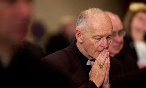 Cựu tổng giám mục Washington Theodore McCarrick, người từ chức tháng trước sau loạt cáo buộc xâm hại tình dục cả người lớn và trẻ em suốt nhiều thập kỷ. Ảnh: AFP.