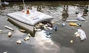 Robot thu gom rác nổi và kiểm tra chất lượng nước