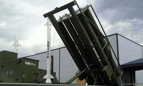 Hệ thống tên lửa phòng không Barack 8 do Ấn Độ và Israel hợp tác sản xuất. Ảnh: Reuters.