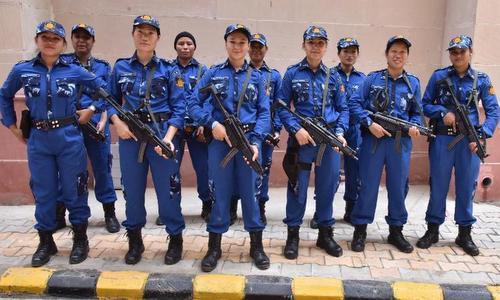 Các thành viên đội SWAT nữ giới của Ấn Độ trong lễ ra mắt hôm 15/8. Ảnh: CNN.