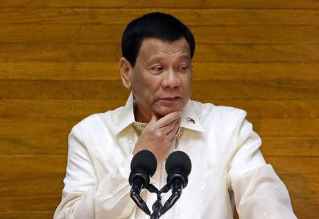 Tổng thống Philippines Rodrigo Duterte phát biểu tại Hạ viện hôm 23/7. Ảnh: Reuters.