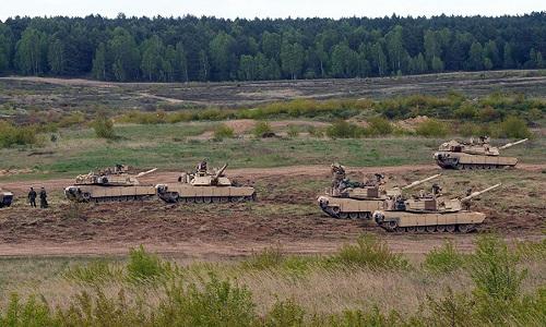 Xe tăng Abrams của Mỹ trong một cuộc diễn tập tại Ba Lan. Ảnh:AFP.