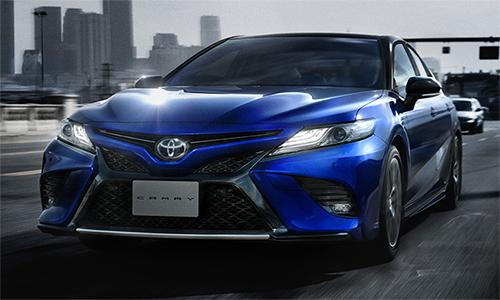 Toyota Camry Sport bán ra hai phiên bản WS và WS Leather.