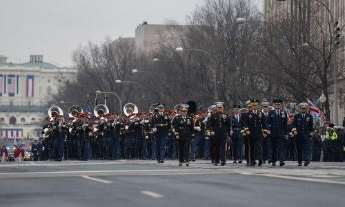 Đoàn quân nhạc lục quân Mỹ diễu hành tại Washington đầu năm 2017. Ảnh: Army Times.