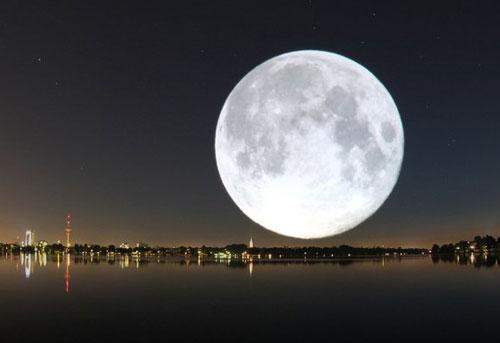 Những đêm rằm Mặt Trăng như một bóng điện khổng lồ. Ảnh minh họa.
