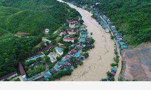 Ngập sâu sau bão, Nghệ An phải di dời nhiều hộ dân
