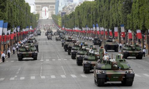 Xe tăng Leclerc trong cuộc duyệt binh ở thủ đô Paris ngày 14/7/2017. Ảnh: Reuters.
