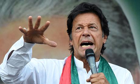 Imran Khan trong một chiến dịch vận động bỏ phiếu tháng trước. Ảnh: Reuters.
