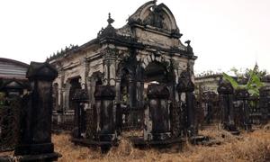 Khu mộ cổ 1.000 m2 của gia tộc miền Tây