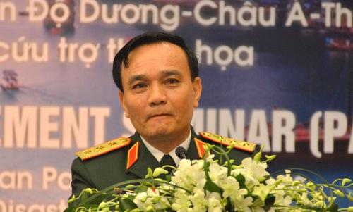 Thượng tướng Phạm Hồng Hương trong cuộc họp báo sau lễ khai mạc PAMS 42. Ảnh:Vũ Anh.