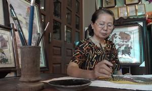 50 năm vẽ tranh của nữ nghệ nhân Đông Hồ đầu tiên