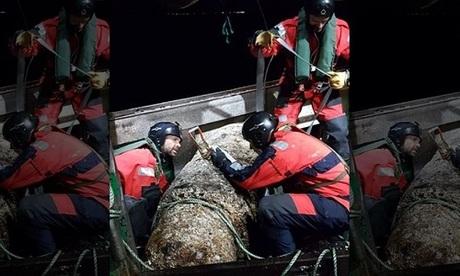 Bom tấn từ thời Thế chiến II mắc lưới ngư dân Pháp