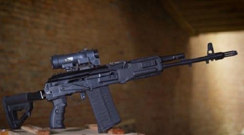 Mẫu súng trường AK-308 của Kalashnikok. Ảnh: Business Insider.