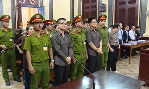 Xét xử 12 người về tội hoạt động nhằm lật đổ chính quyền nhân dân