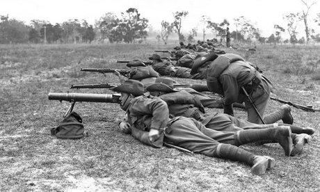 Lính Australia huấn luyện với súng máy Lewis năm 1930. Ảnh: Wikipedia.