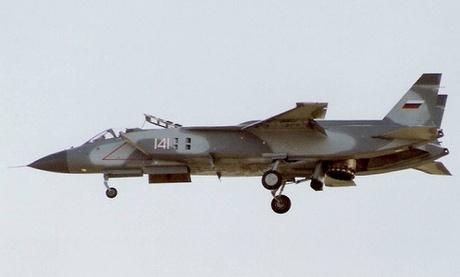 Tiêm kích VTOL Yak-141 của Nga bay biểu diễn tại Anh năm 1992. Ảnh: AP.