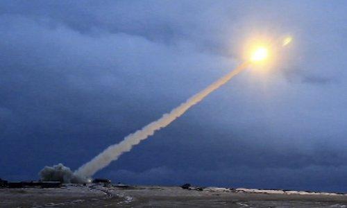 Siêu tên lửa rời bệ phóng trong cuộc thử nghiệm cuối năm 2017. Ảnh: Sputnik.