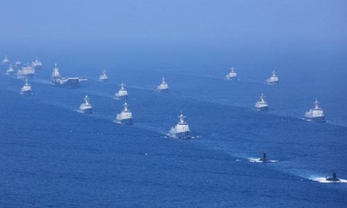 Đội tàu Trung Quốc diễn tập ở Biển Đông hồi tháng 3/2018. Ảnh: SCMP.