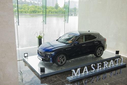 Các mẫu xe đều chuẩn bị sẵn sàng để khách hàng có thể đăng ký lái thử, trải nghiệm không gian nội thất lẫn công nghệ động cơ.