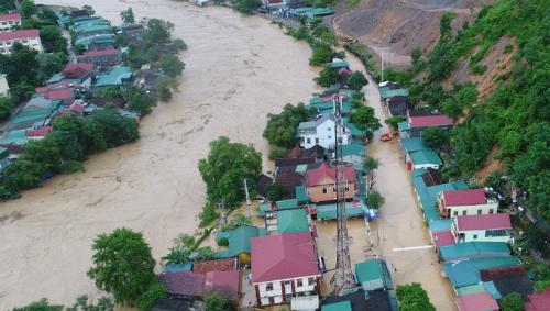 Huyện biên giới Kỳ Sơn (Nghệ An) chìm trong đợt mưa lũ giữa tháng 8. Ảnh: Duy Khánh