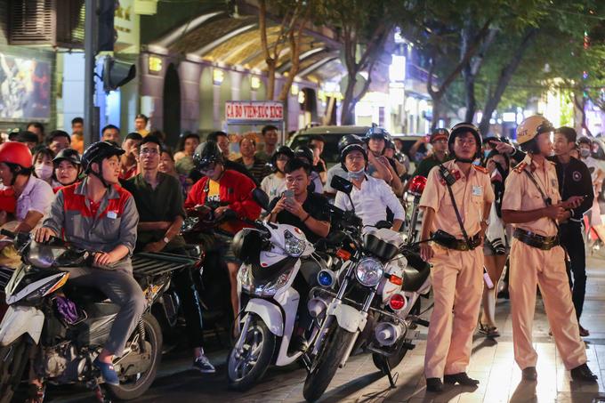 Người Sài Gòn ngất ngây với chiến thắng của Olympic Việt Nam