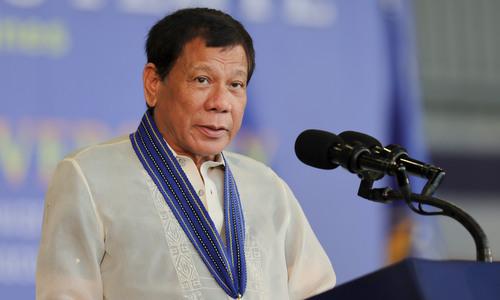 Tổng thống Duterte trong lễ kỷ niệm thành lập quân đội Philippines năm 2017. Ảnh: AFP.