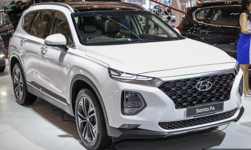 Hyundai Santa Fe XG ra mắt tại triển lãm GIIAS, Indonesia 2018.