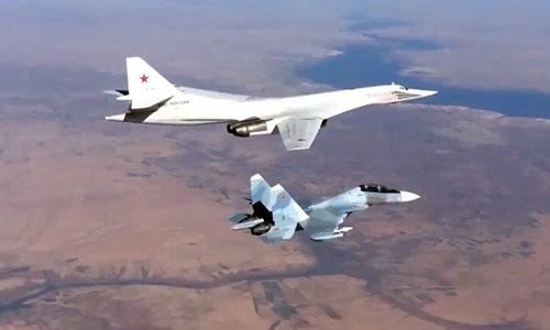 Oanh tạc cơ Tu-160 có khả năng mang bom hạt nhân của Nga hoạt động ở Syria. Ảnh: Bộ Quốc phòng Nga.