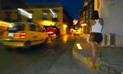 Phụ nữ Venezuela bán dâm để kiếm sống thời khủng hoảng