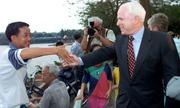 John McCain - Thượng nghị sĩ nhiều duyên nợ với Việt Nam