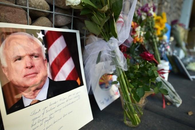 Người Mỹ tiếc thương John McCain