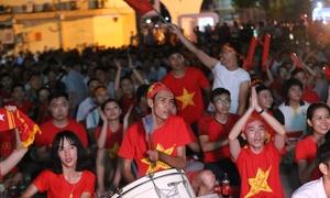 Những biển người cổ vũ cho tuyển Olympic Việt Nam
