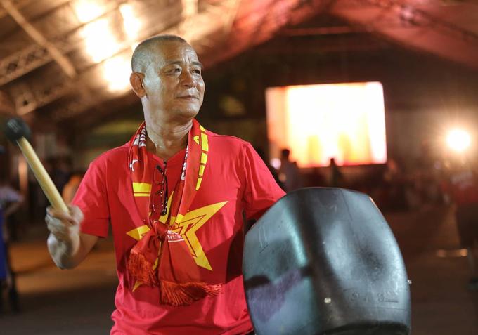 Người Sài Gòn khuấy động cổ vũ tuyển Olympic Việt Nam