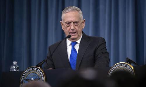 Bộ trưởng Quốc phòng Mỹ Jim Mattis phát biểu trong cuộc họp báo hôm nay tại Lầu Năm Góc, Washington. Ảnh: AFP.