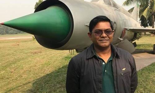 Phi công Abid Sultan, cơ trưởng chuyến bay BS211 của hãng US-Bangla Airlines gặp tai nạn hôm 12/3. Ảnh: Facebook.