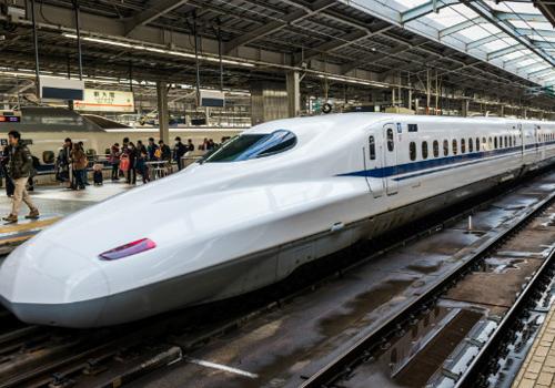Tàu tốc độ cao được đề xuất sử dụng công nghệ giống Nhật Bản. Ảnh minh họa.