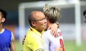 HLV Park Hang-seo khích lệ học trò đánh bại Hàn Quốc