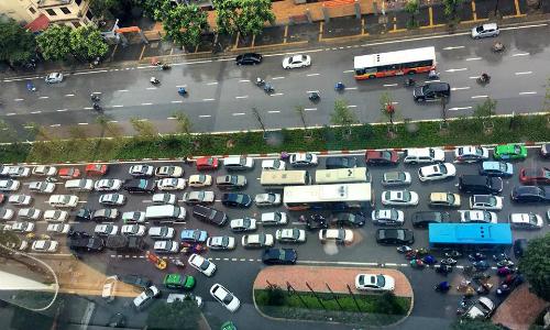 Hình được chụp lúc 10h sáng tại đường Nguyễn Chí Thanh, TP Hà Nội. Ảnh: Facebook