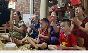 Mẹ thủ môn Tiến Dũng dự đoán Việt Nam thắng bằng loạt sút penalty