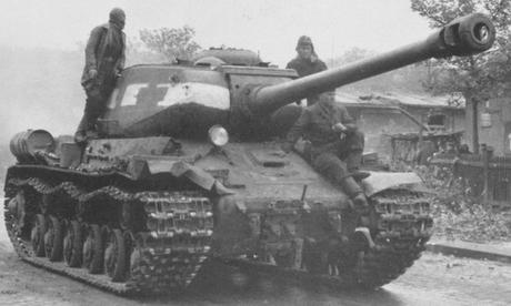 Một chiếc IS-2 tham gia chiến dịch tấn công Berlin năm 1945. Ảnh: Tanks Encyclopedia.