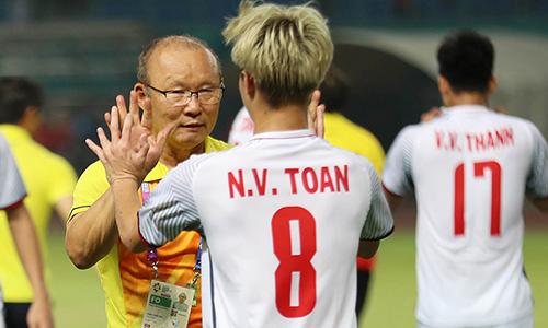 [Caption]HLV Park Hang-seo muốn cùng Việt Nam vượt qua Hàn Quốc để vào chung kết. Ảnh: Đức Đồng.