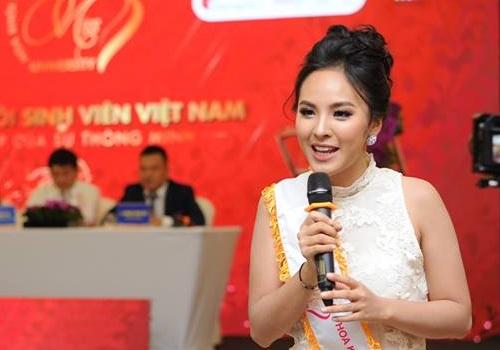 Á khôi 1 Hoa khôi Sinh viên Việt Nam 2017 phát biểu tại lễ phát động. Ảnh: BTC
