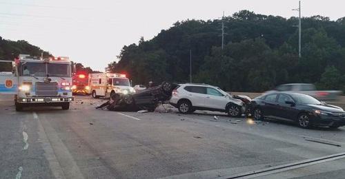 Hiện trường tai nạn sáng 26/8 trên cầu Capital Beltway. Ảnh: Fox.