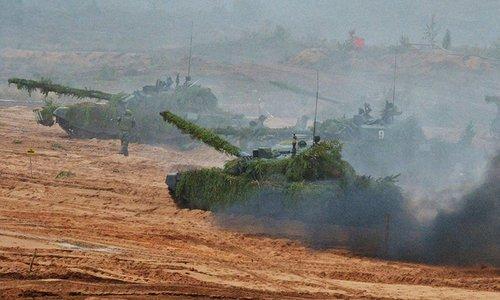 Xe tăng Nga trong cuộc tập trận quy mô lớn Zapad-2017. Ảnh: Sputnik.