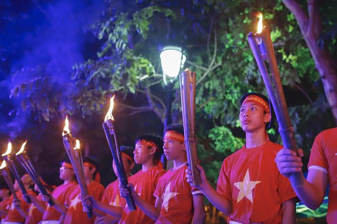 Rước đuốc tưởng niệm nghĩa sĩ chống Pháp 160 năm trước