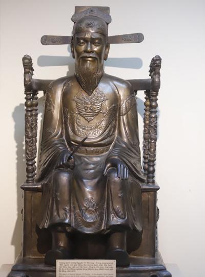 Tượng danh tướng Nguyễn Tri Phương bằng đồng đặt tại Bảo tàng Đà Nẵng. Ảnh: Nguyễn Đông.