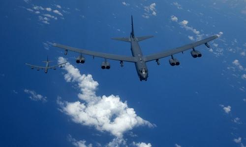 Hai oanh tạc cơ chiến lược B-52 của Mỹ. Ảnh: Business Insider.