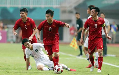 Tuyển Việt Nam trong trận đấu với Hàn Quốc hôm 29/8. Ảnh: Lâm Thỏa.