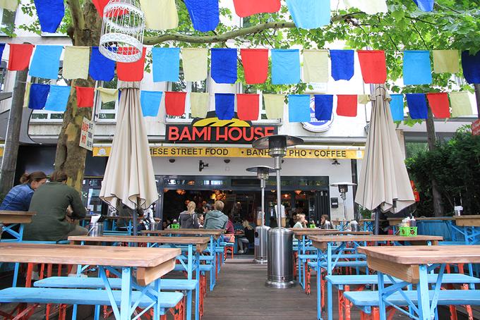 Chuỗi cửa hàng bánh mỳ như Việt Nam thu nhỏ giữa lòng nước Đức